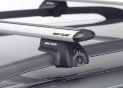 Оренда багажників з алюмінієвими аеродинамічними поперечинами на дах автомобіля